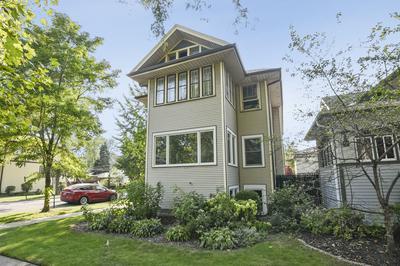 947 WENONAH AVE, Oak Park, IL 60304 - Photo 2