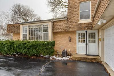 2 WOODS CHAPEL RD, Rolling Meadows, IL 60008 - Photo 2