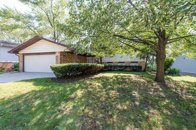 435 W NEWPORT RD, Hoffman Estates, IL 60169 - Photo 2