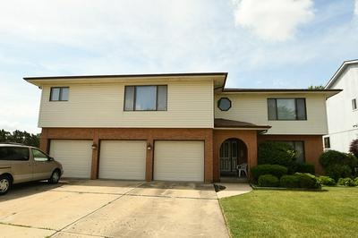 310 STARLING CT APT B, Bloomingdale, IL 60108 - Photo 2