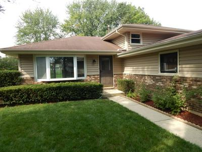 630 KENILWORTH AVE, South Elgin, IL 60177 - Photo 2