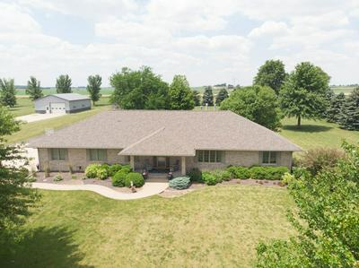 3446 COUNTRY MEADOW LN, Heyworth, IL 61745 - Photo 1