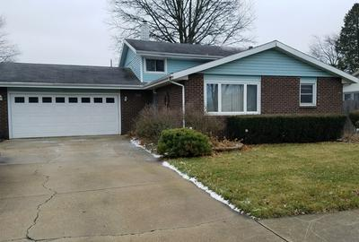 960 FLAMINGO LN, BRADLEY, IL 60915 - Photo 1