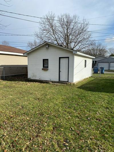 154 N RANDOLPH AVE, Bradley, IL 60915 - Photo 2