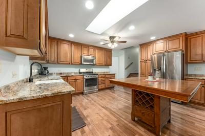 1101 COLLINGWOOD CT, Shorewood, IL 60404 - Photo 2