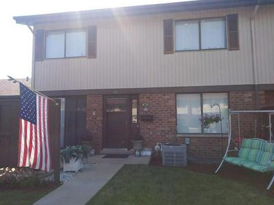 15 TOWER CT, Downers Grove, IL 60516 - Photo 1