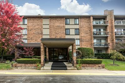 201 LAKE HINSDALE DR APT 306, Willowbrook, IL 60527 - Photo 1