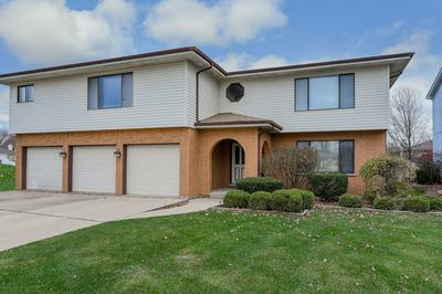310 STARLING CT APT A, Bloomingdale, IL 60108 - Photo 1