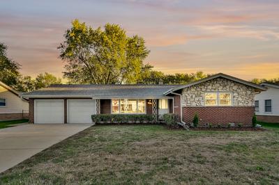 225 CLEARMONT DR, Elk Grove Village, IL 60007 - Photo 1