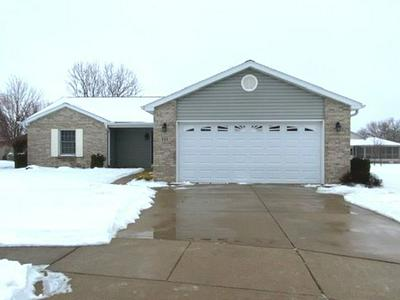 551 PINE MEADOW DR, DIXON, IL 61021 - Photo 2