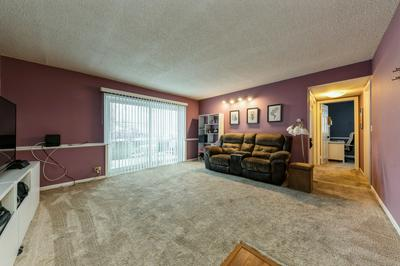 3325 KIRCHOFF RD APT 3A, Rolling Meadows, IL 60008 - Photo 2