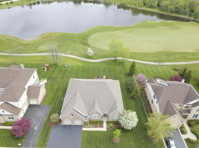 10 TOURNAMENT DR S, Hawthorn Woods, IL 60047 - Photo 2