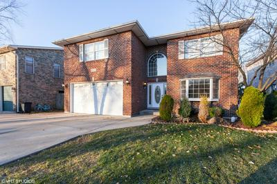 5912 BELMONT RD, Downers Grove, IL 60516 - Photo 1