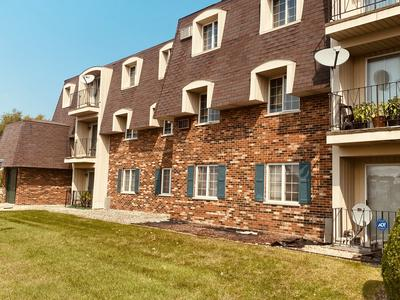 17963 HUNTLEIGH CT APT 203, Country Club Hills, IL 60478 - Photo 2