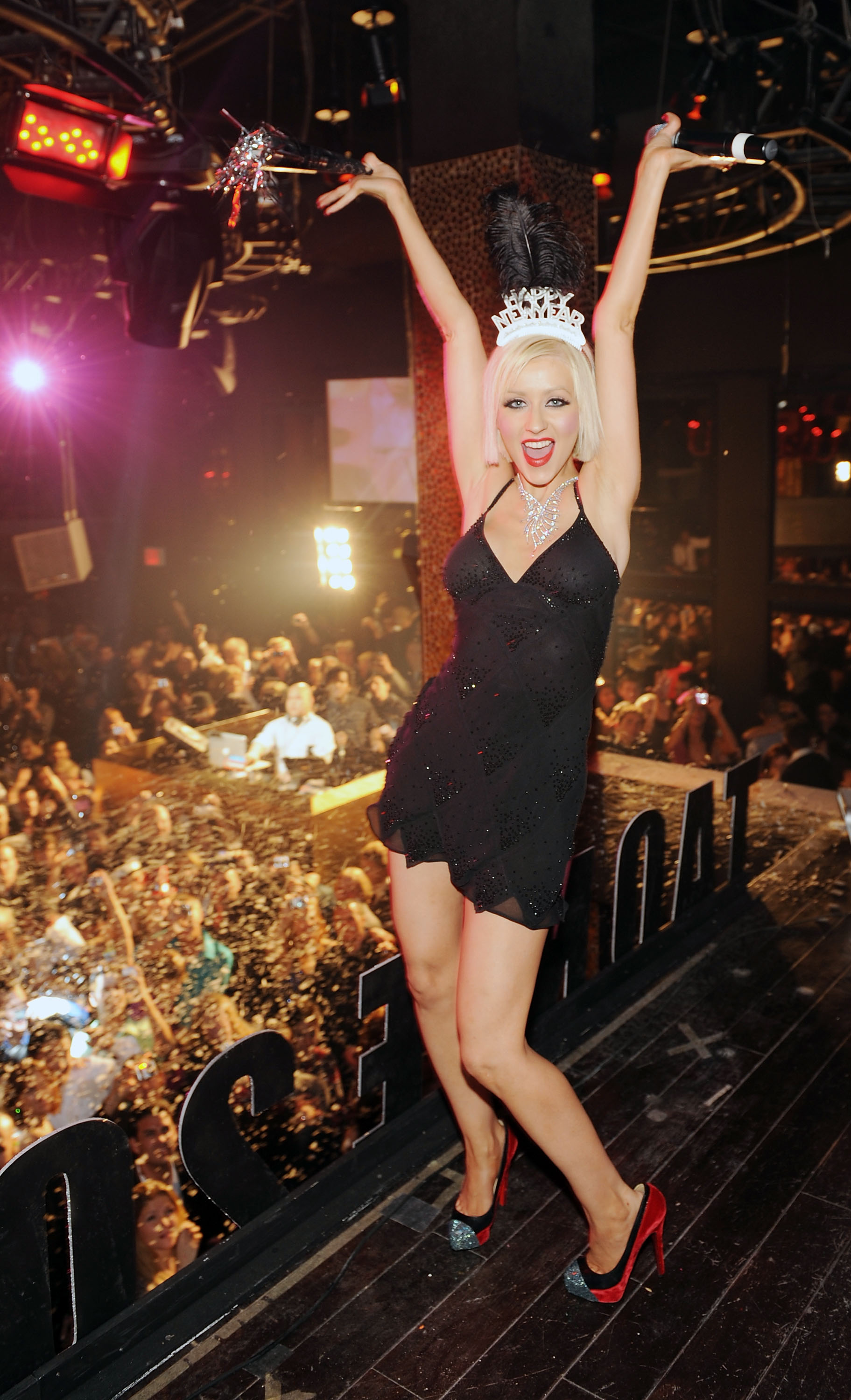 christina aguilera hosting NYE at TAO