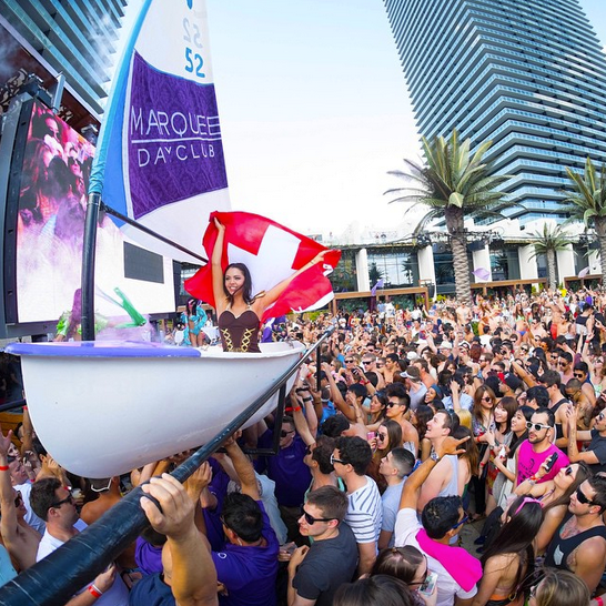 vegas dayclub party at marquee