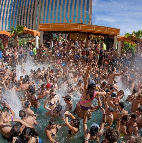 memorial day pool party in vegas