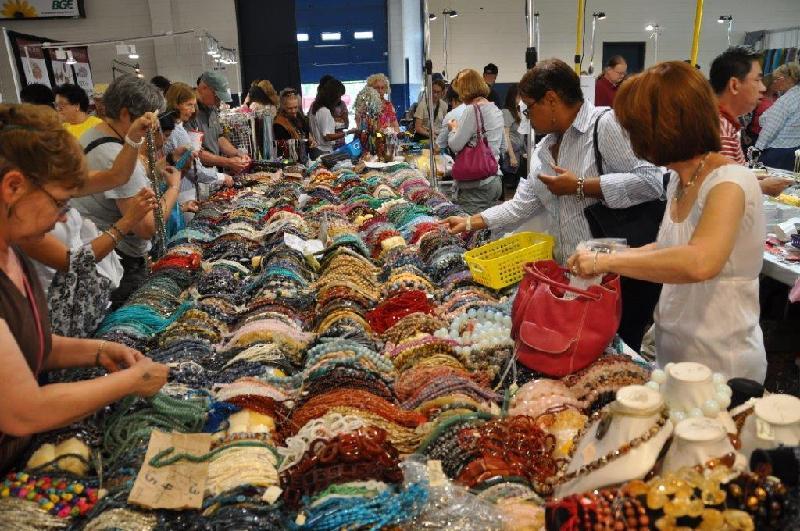 international gem and jewelry show jewelry show white