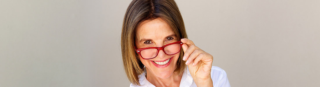 b898972934 8 Best Eyeglass Frames For Older Women