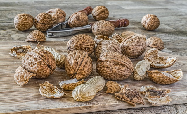 Nuts can help you improve your eyesight