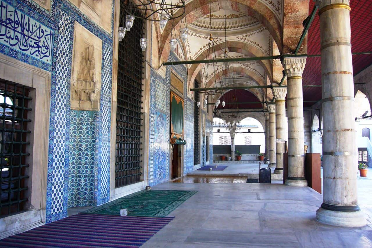 Entrance of the Rustem Pasha Mosque