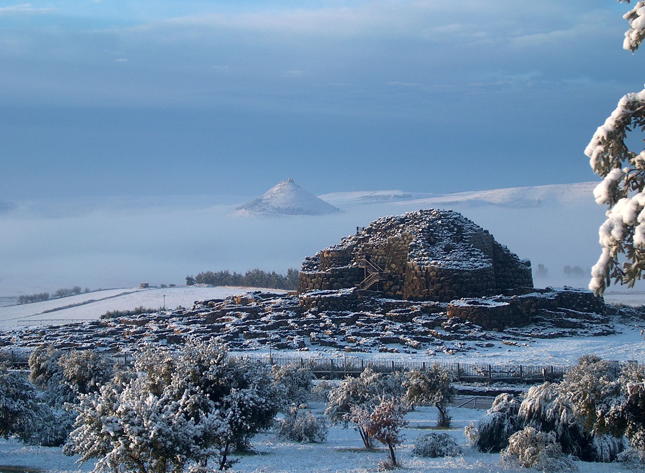 Su Nuraxi di Barumini in winter