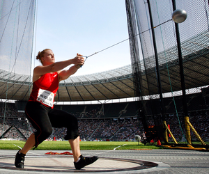 Hammer Throw Workout Plan | Exercise.com Hammer Throw Technique