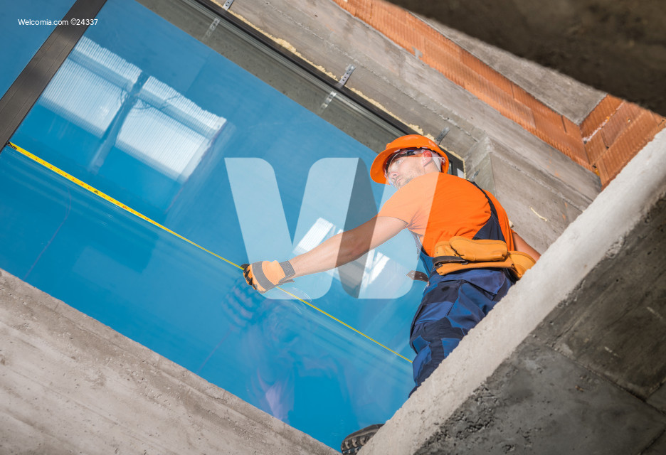 Commercial Building Large Format Aluminium Window Installation