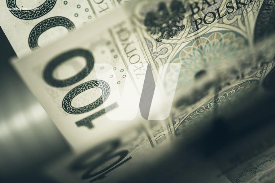 One Hundred Polish Zloty Banknotes Closeup Photo