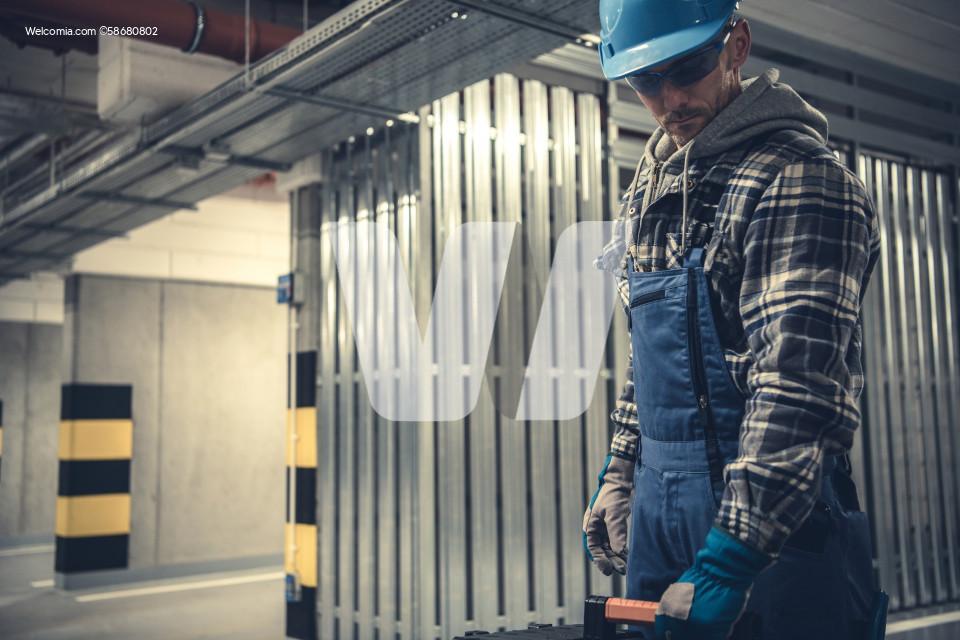 Professional Interior Installations Technician
