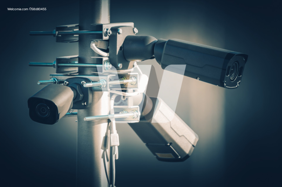 Security Megapixel CCTV Cameras on a Pole