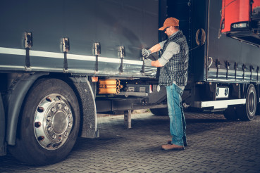 Semi Truck Safety Checkup