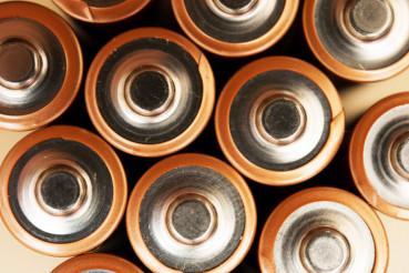 AA Batteries Top Clocseup