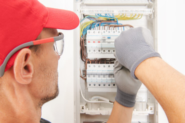 Apartment Fusebox Installation by Electrician