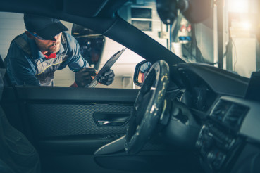 Auto Service Worker Inspection