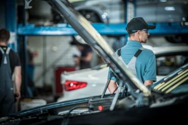 Auto Service Worker Job