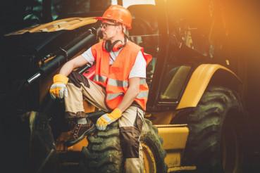 Bulldozer Concstruction Worker