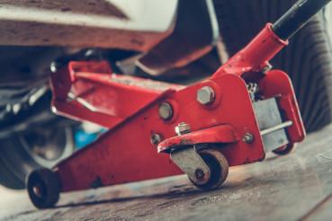 Car Mechanic Lifting Equipment