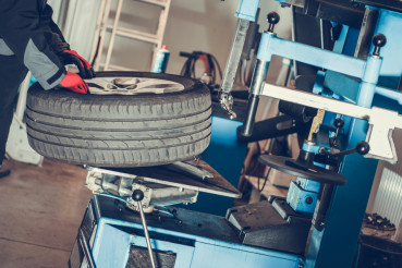 Car Wheels Maintenance