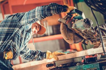 Carpenter Circular Saw Job