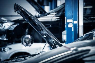 Cars Repairing in Auto Service