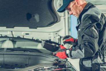 Checking Car Fuses Box