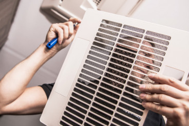 Cleaning RV Air Condition Filter