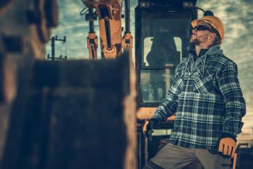 Excavator Machine Operator