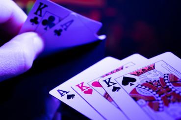Full House Poker Game