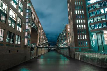 Hamburg Channels at Night