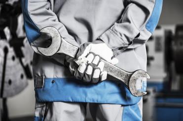 Machinery Mechanic on a Duty