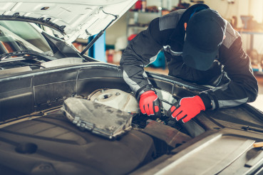 Modern Car Repairing by Professional Authorized Worker