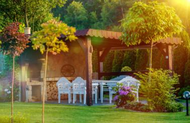 Outdoor Garden BBQ Area