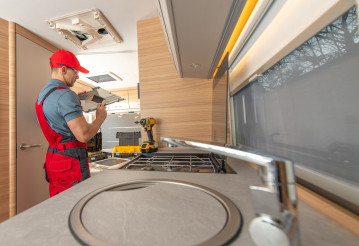 RV Camper Appliances Technician Repair Air Condition